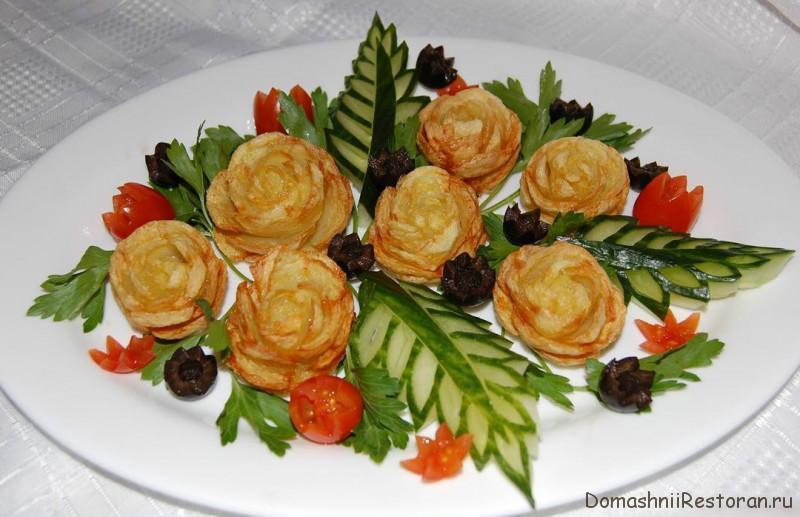 Оформление блюда картофельными розочками