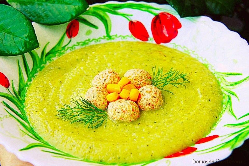 Овощной крем-суп с куриными фрикадельками