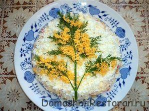Украшение салата Мимоза