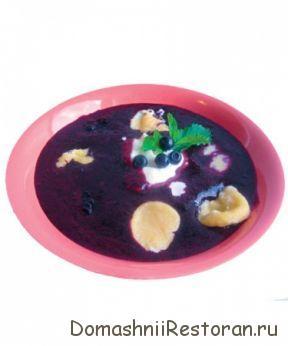 Суп сладкий из черники с клецками