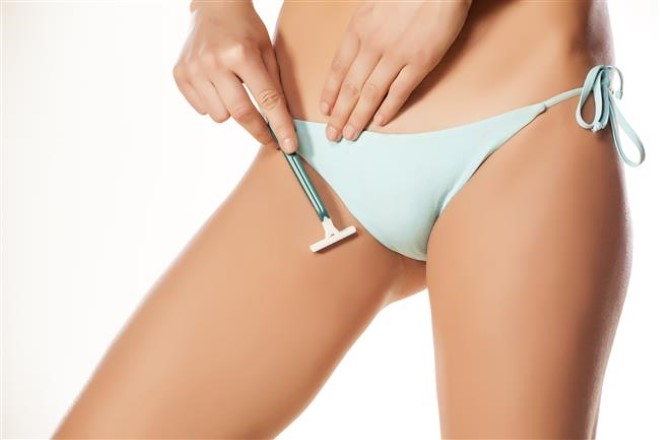 бритьё зоны бикини