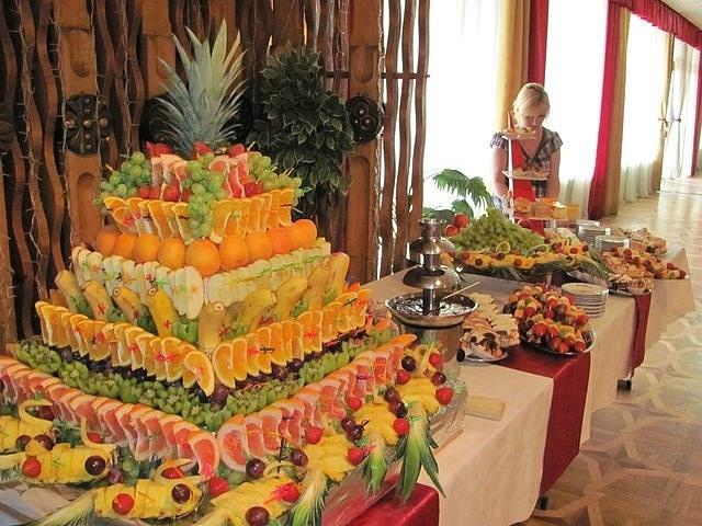 фруктовый торт для фуршетного стола