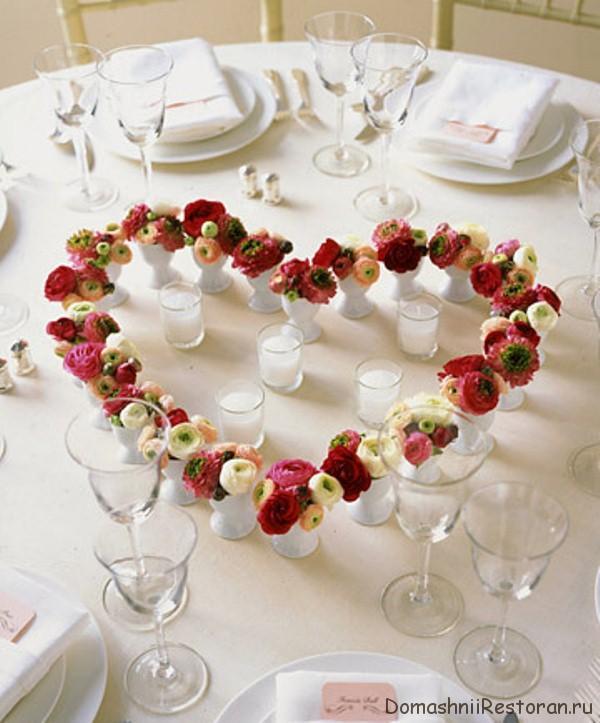 элемент украшения стола сердце