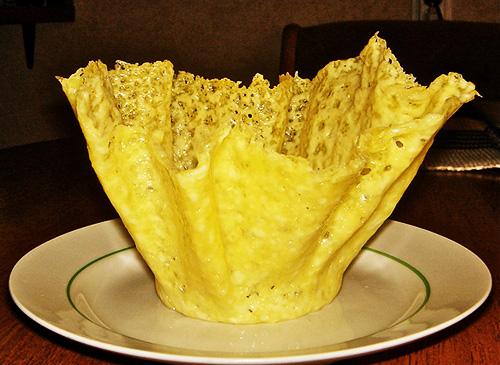 Корзинка из сыра