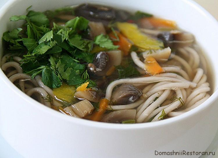 Суп из вешенки с лапшой
