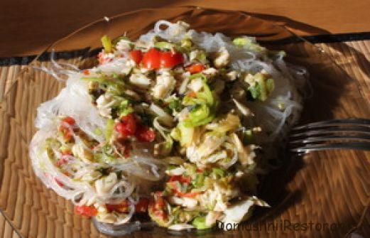 Треска с рисовой лапшой