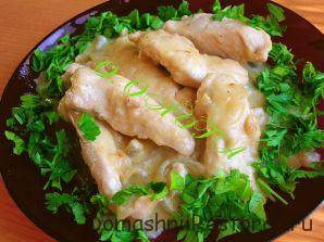 Куриная грудка в луковом соусе