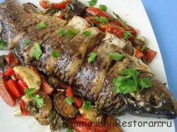 Запеченная рыба с баклажанами