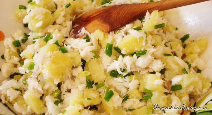 Картофельный салат с отварной рыбой