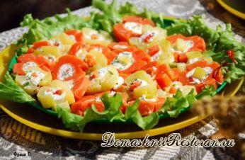 Коктейльный бутерброд с творогом и морковью