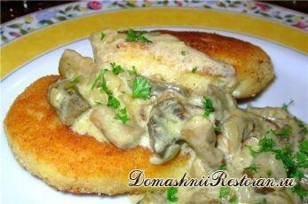 Котлеты из картофеля с грибной подливкой