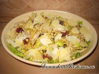 Салат из цикорного салата с чесноком