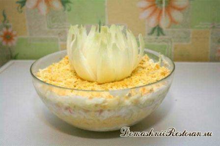 Салат из крабовых палочек с ананасами