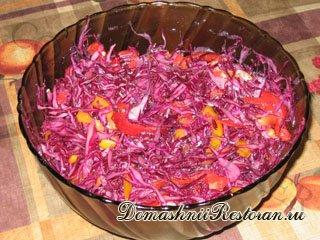 Салат из краснокочанной капусты с вишневым соком