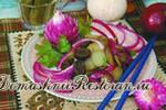 Салат из печеного лука