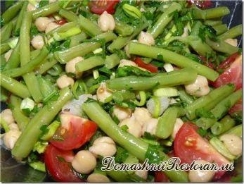 Салат из стручковой фасоли с яблоками