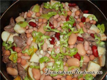 Салат из трески с яблоками и фасолью