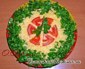 Салат овощной с сыром