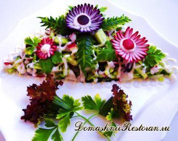 Украшение салата из овощей