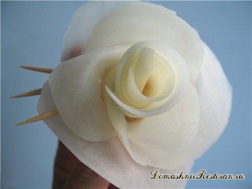 «Розы» из картофеля (или репки, свеклы) во фритюре (постное блюдо)