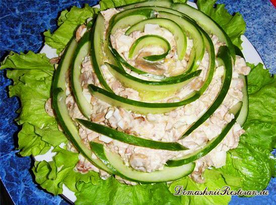 Селедочный салат «Пурпурная роза» (вариант салата «Селедка под шубой»)