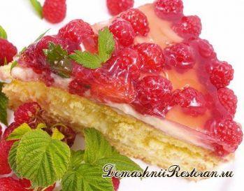 Абрикосовый торт с малиной