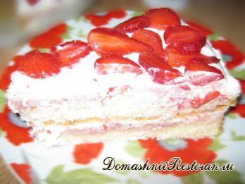 Бисквитный торт с клубникой с пошаговыми фото