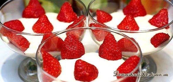 Десерт творожный со сливками