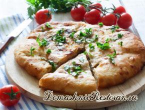 Хачапури с сыром (в качестве хлеба на праздничный стол)