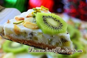 Легкий торт с освежающим йогуртовым кремом и сочными киви