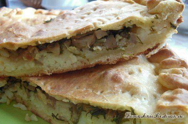 Пирог с рисом и солёными грибами