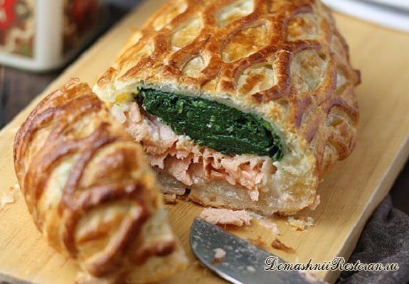 Пирог с семгой и базиликом