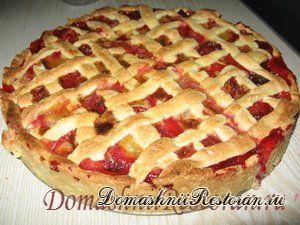 Рецепт пирога на кефире со сливовой начинкой