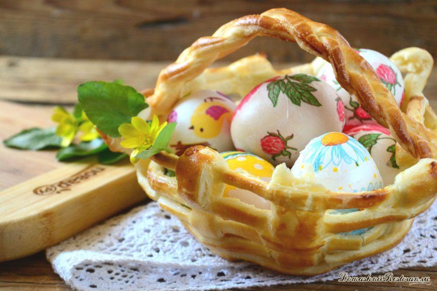 Вкусная корзинка для пасхальных яиц