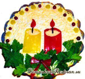 Салат «При свечах» (с сыровяленной колбасой и сухариками)