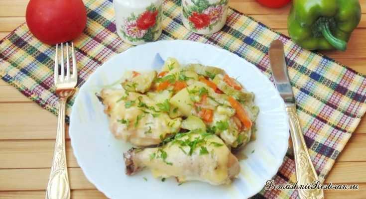 Курица, запеченная с кабачками и картофелем в духовке