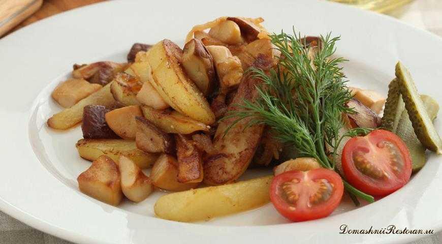 Грибы, жаренные с картофелем и луком