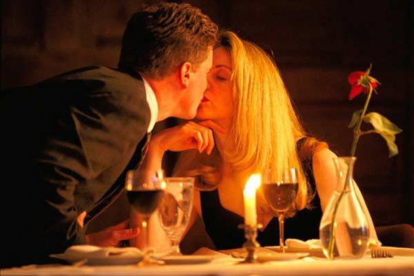 романтичный-поцелуй