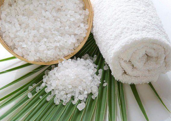 Лечение волос солью. Четыре рецепта