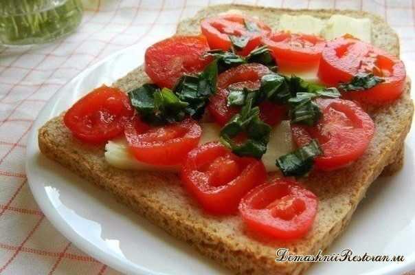 Капрезе сэндвич