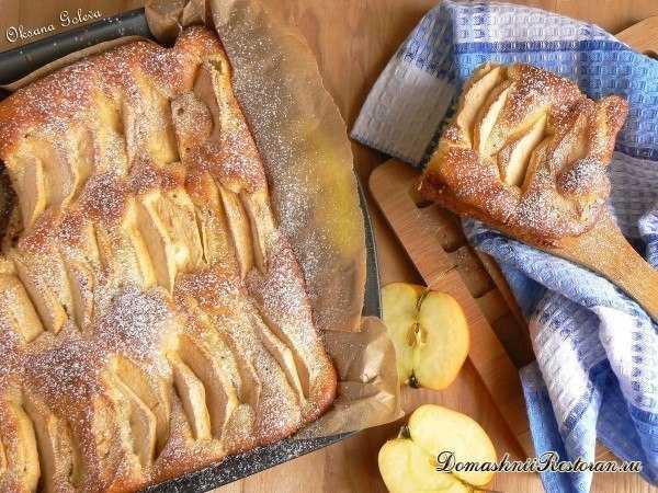 Очень простой и очень вкусный яблочный пирог на молоке