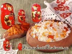 Каша рисовая с сухофруктами