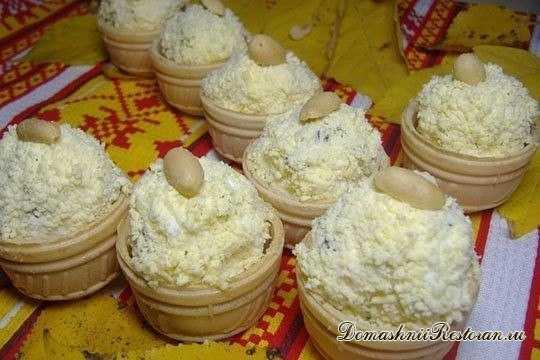 Закуска из плавленого сыра и чеснока