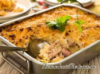 Цветная капуста, запеченная с хлебом и колбасой