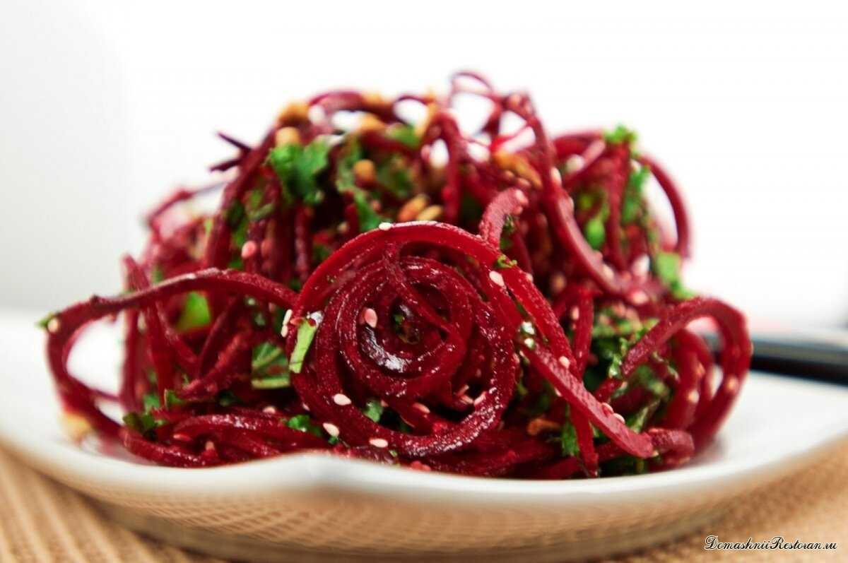 Эти салаты избавляют от закупорки кровеносных сосудов и нормализуют мозговую деятельность!