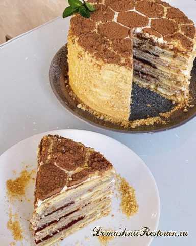 Вкусный, нежный, мягкий торт Медовик без раскатки коржей