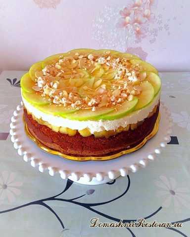 Медово-яблочный торт со сливочным муссом
