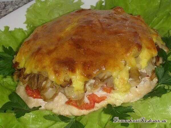 Аппетитное Мясо с грибами под шубой: нежной, хрустящей корочкой. Просто, сытно и со вкусом!