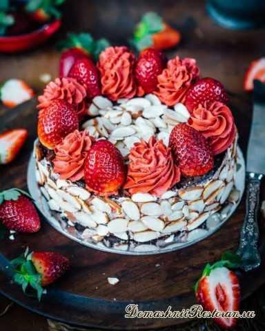 Потрясающий шоколадно-миндальный клубничный Торт