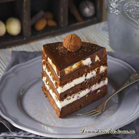 Торт Брауни с вишневым джемом🍒